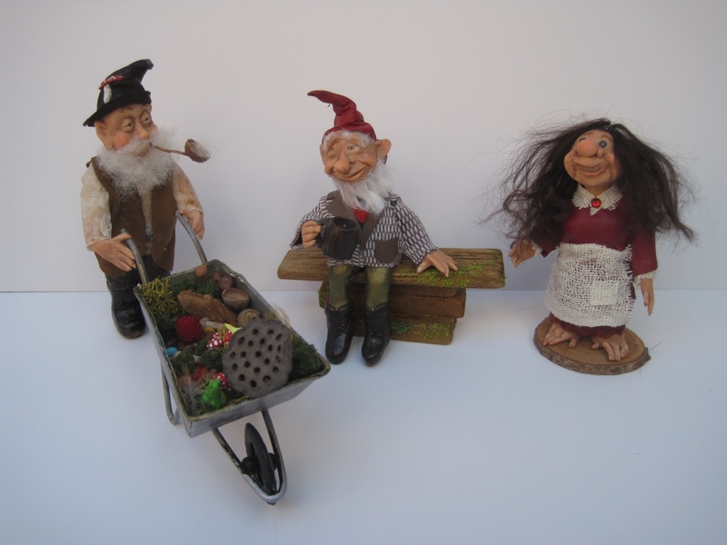Gardener & seated gnome with Brownie